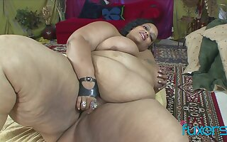 Black BBW superbabe Farrah Fox loves a BBC to gives her some love and care