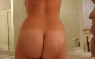 Booty Bbw Beauty Posing Nude In 3 Mirrors And Showing Ass And Pussy Close Up
