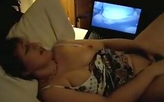 Slutwife Laura getting off on BBC phone sex
