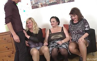 Homemade predetermine sex corps with mature babes Ria Black & Laura Silver