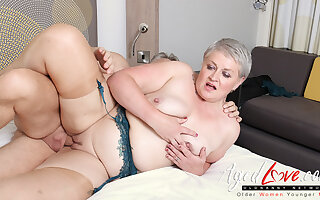 AgedLovE Hot Of age Son Sucking Chubby Immutable Dick