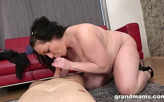 Chubby ass mature loves the firsthand dick she's been rewarded with