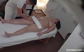 Chunky MILF whore diverting czech massage sex clip